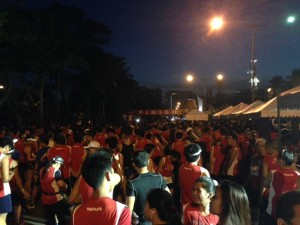 Yakult 10 Miler Run Photos -  Start