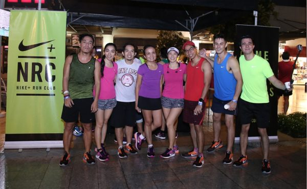 Nike Media Run Crew